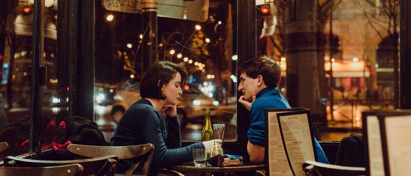 встреча в ресторане вечером